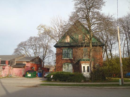 Niagara Ghost Walks: house part of underground railway