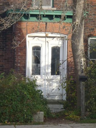 Niagara Ghost Walks: old house part of underground railway