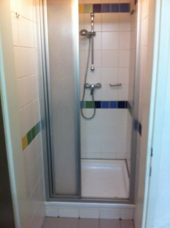 Jugendgästehaus: Duschkammer