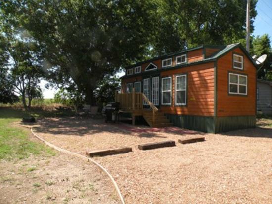 Wellington KOA : Loft Deluxe Cabin exterior