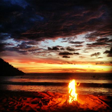 Gigante Bay: Bon-fires at sunset