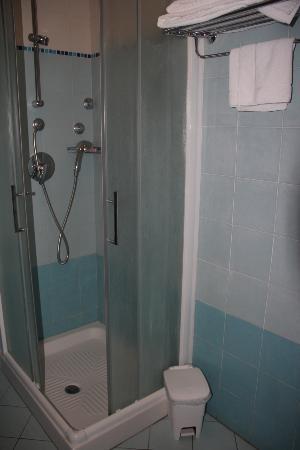 Hotel Teocrito: bathroom