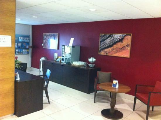 Holiday Inn Express Birmingham NEC: Business Area, Coffee? Genius!