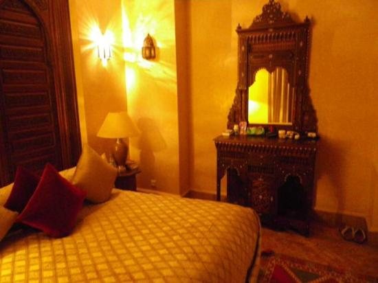 Riad Kniza: Ambar Suite bedroom