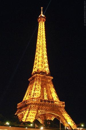 Paris, França: The tower at night!