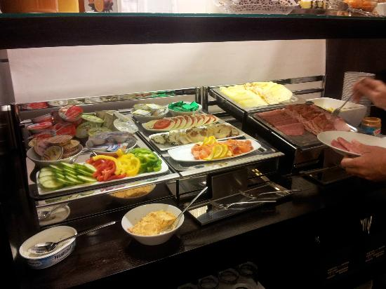 Alma Boutique-Hotel: Breakfast buffet