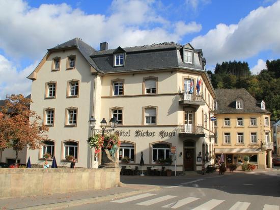 Hotel-Restaurant Victor Hugo : Rivierkant Hotel Victor Hugo.