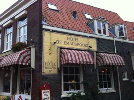 Hotel de Emauspoort: Corner view