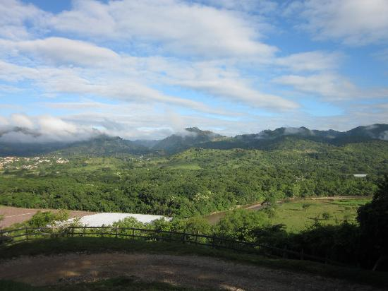 Hotel Hacienda San Lucas: View of the valley from the front of the property