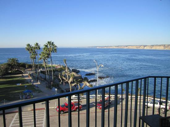 La Jolla Cove Hotel & Suites: View of the Cove
