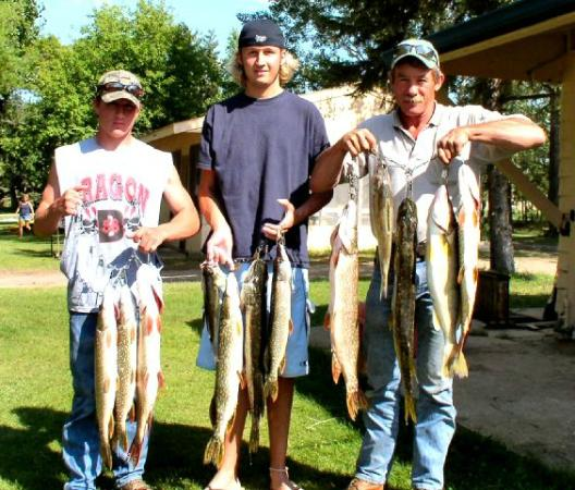 Four Seasons Resort on Rush Lake: fishing