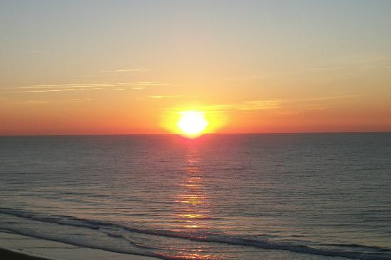 Grand Atlantic Ocean Resort: sunrise - beautiful!