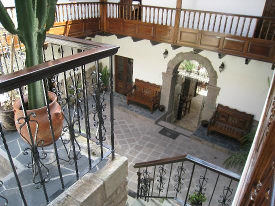 Andenes al Cielo: View of courtyard from stairs to second level