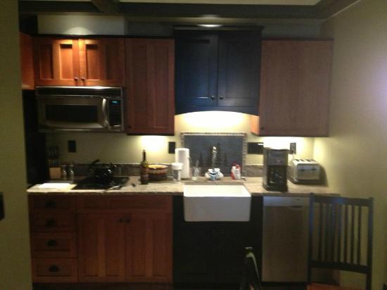 Tamarack Lodge: Kitchen