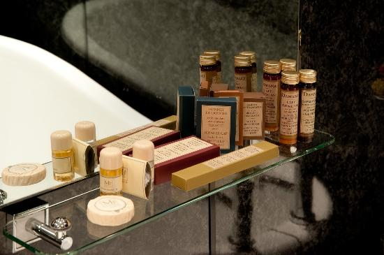 The Mariner Hotel: Bath Products
