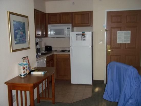 Staybridge Suites Anaheim   Resort Area: Kitchen Staybridge Anaheim Room 414