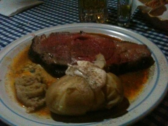 Manne's Biergarten: prme rib dinner!