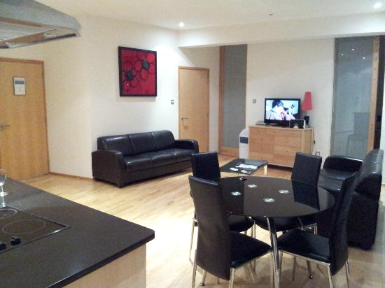 Glasgow Loft Apartments: Main Living area (Floor 4 South facing room)