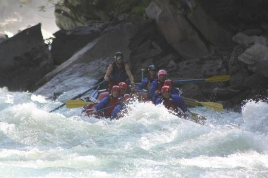 Maligne Adventures: Fraser River Tour