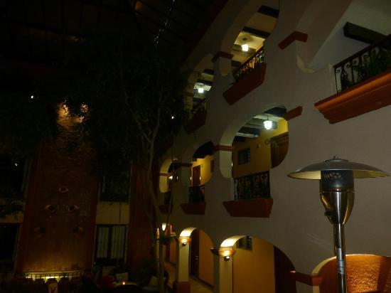 Mansion del Valle: atrium