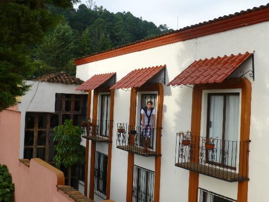 Mansion del Valle: Balcon de la chambre depuis la terrasse