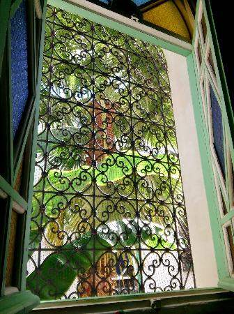 Maison Arabo Andalouse: room window