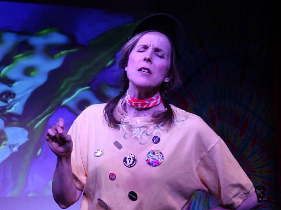 """The Alcove Theater : Anne Doherty gets """"Groovy"""" in """"Absolutely San Francisco"""""""