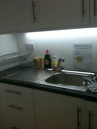 Flexistay London Serviced ApartHotel: Small kitchenette, much bigger kitchen on the top floor