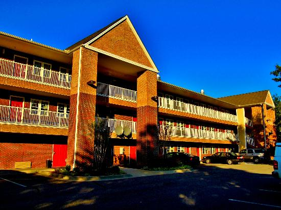Extended Stay America - Richmond - W. Broad Street - Glenside - South : Just behind Bob Evans