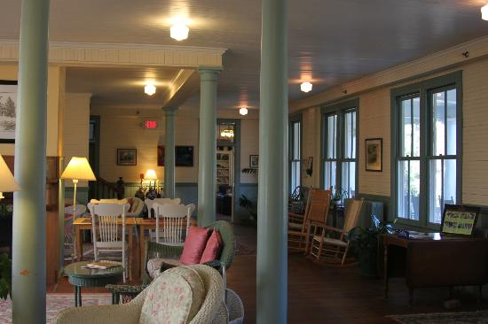 Balsam Mountain Inn & Restaurant: Common area