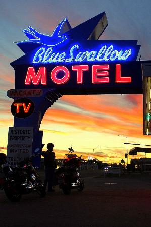 Blue Swallow Motel: Beautiful sunsets abound in New Mexico