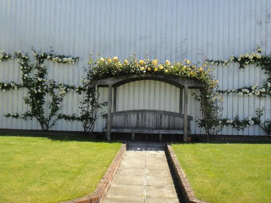 Framingham Wines: Garden at Cellar Door