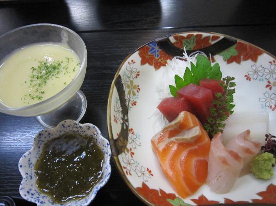 Satoyamakaguhashi Miyamotonoyu: sashimi