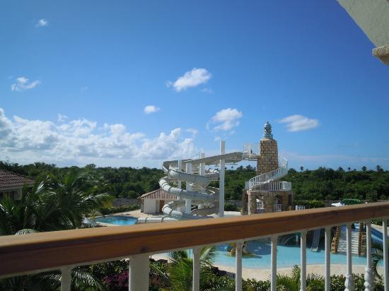 Weare Cadaques Bayahibe Hotel: Parque acuático/ vista desde la habitación