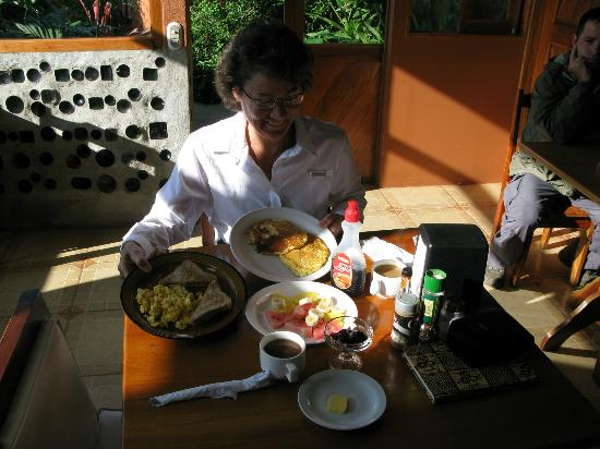 Camino Verde Bed & Breakfast Monteverde: Hot made-to-order breakfast