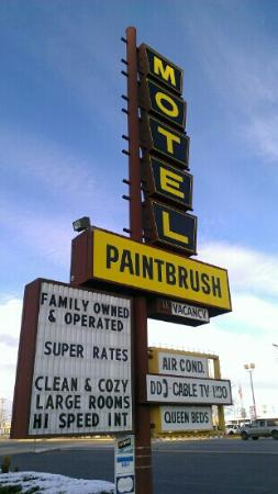 Paintbrush Motel: Front sign