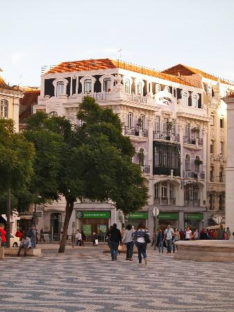Internacional Design Hotel: View of hotel from Rossio Square
