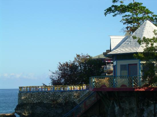 Xtabi Resort: Cliff side cottage from 3 Dives