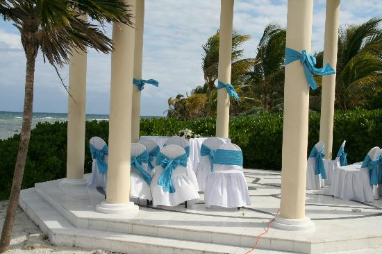 Grand Palladium Colonial Resort & Spa: Our ceremony