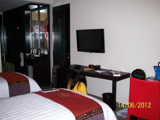 100 Sunset Hotel Managed by Eagle Eyes: Room