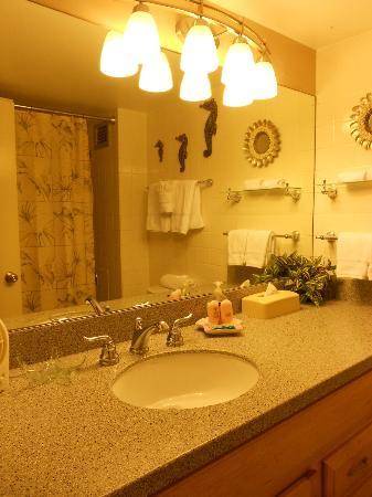 كاهانا ريف - ماوي كوندو آند هوم: Bathroom unit 220 