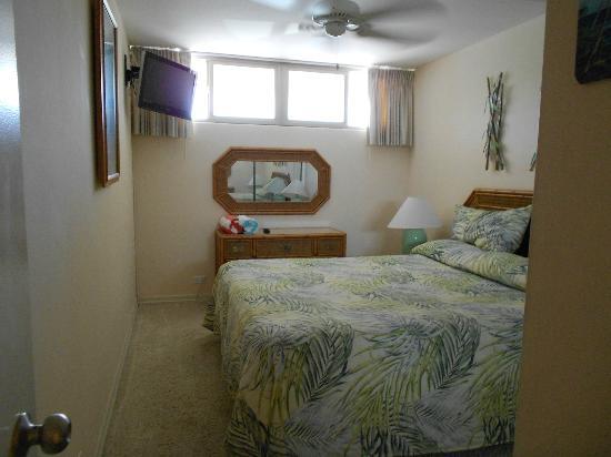 كاهانا ريف - ماوي كوندو آند هوم: Bedroom window unit 220 