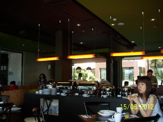 100 Sunset Hotel Managed by Eagle Eyes: Resto