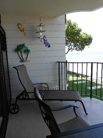 Kahana Reef: Balcony long chair unit 220