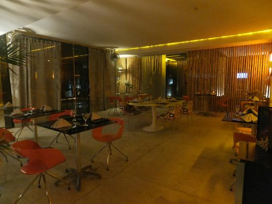 Hotel Cocoon: Restaurante