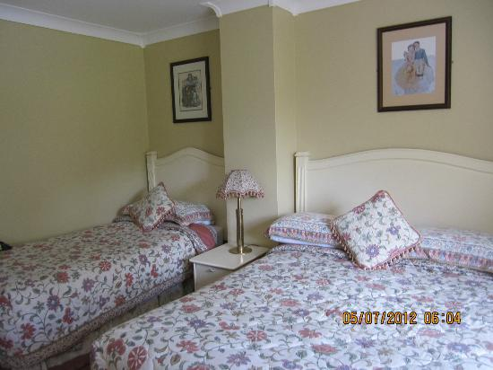 Orchard House: Double and single beds