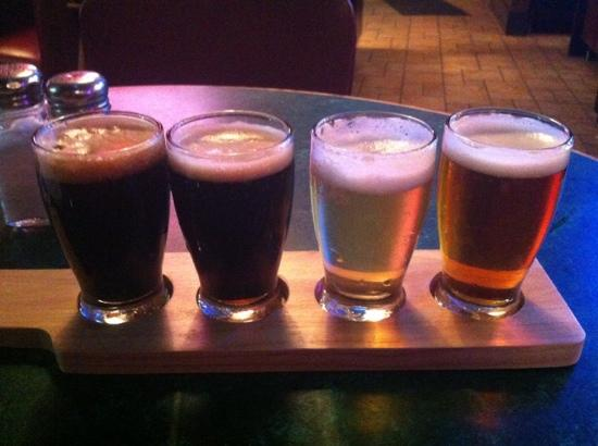 Grizzly's Grill and Saloon : mmmm, beer