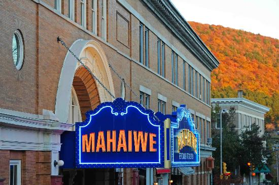Mahaiwe Performing Arts Center: Beautiful downtown Great Barrington