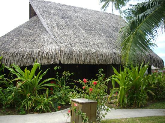 Sofitel Moorea Ia Ora Beach Resort: Entrada do bangalô