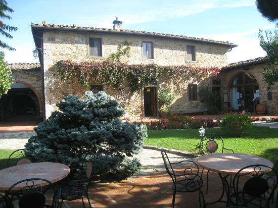 Hotel Belvedere Di San Leonino: Grounds at Hotel Belvedere Di San Leonino 